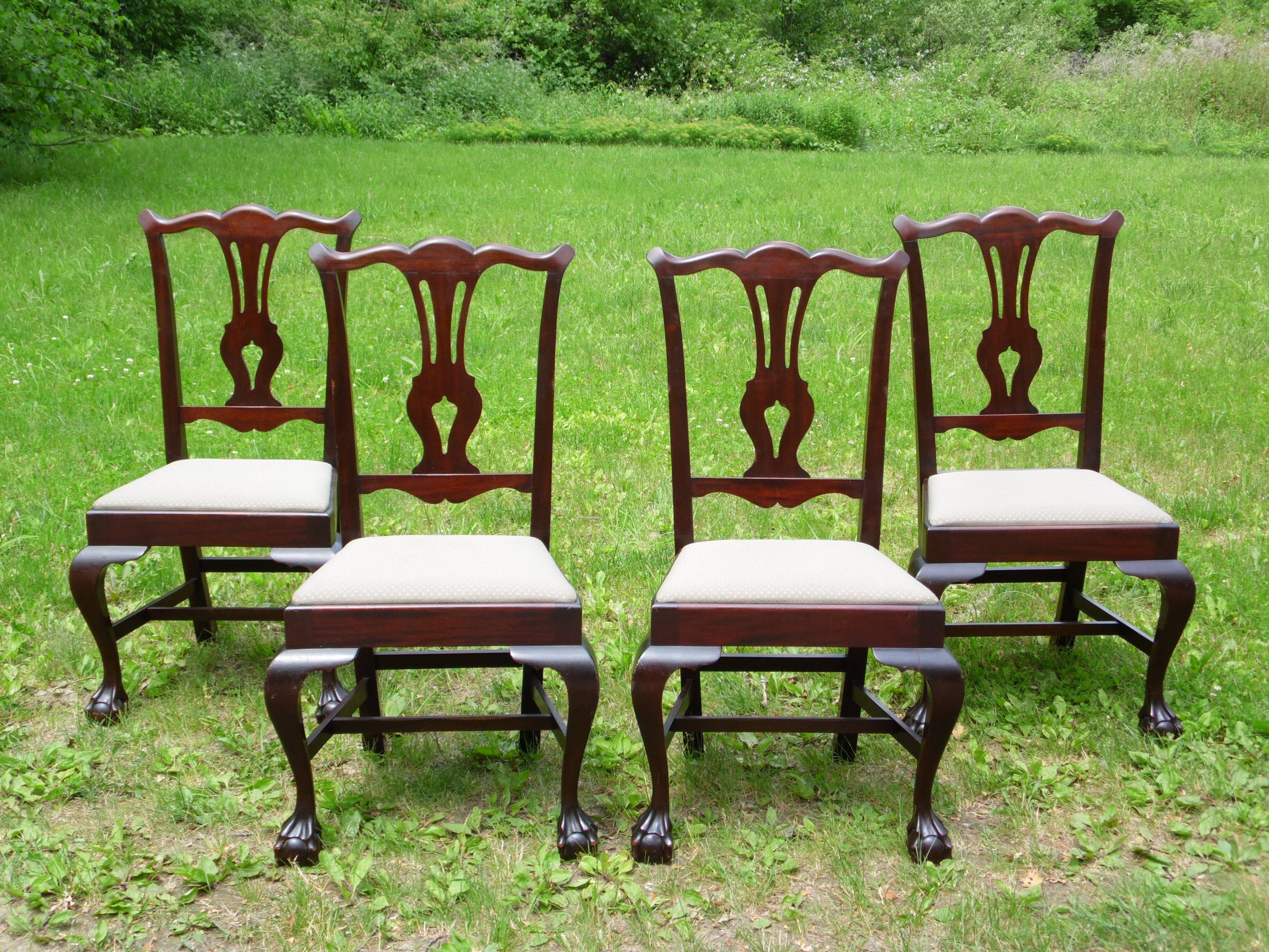 Vintage Set of 4 Solid Mahogany Chippendale style Ball & Claw Foot