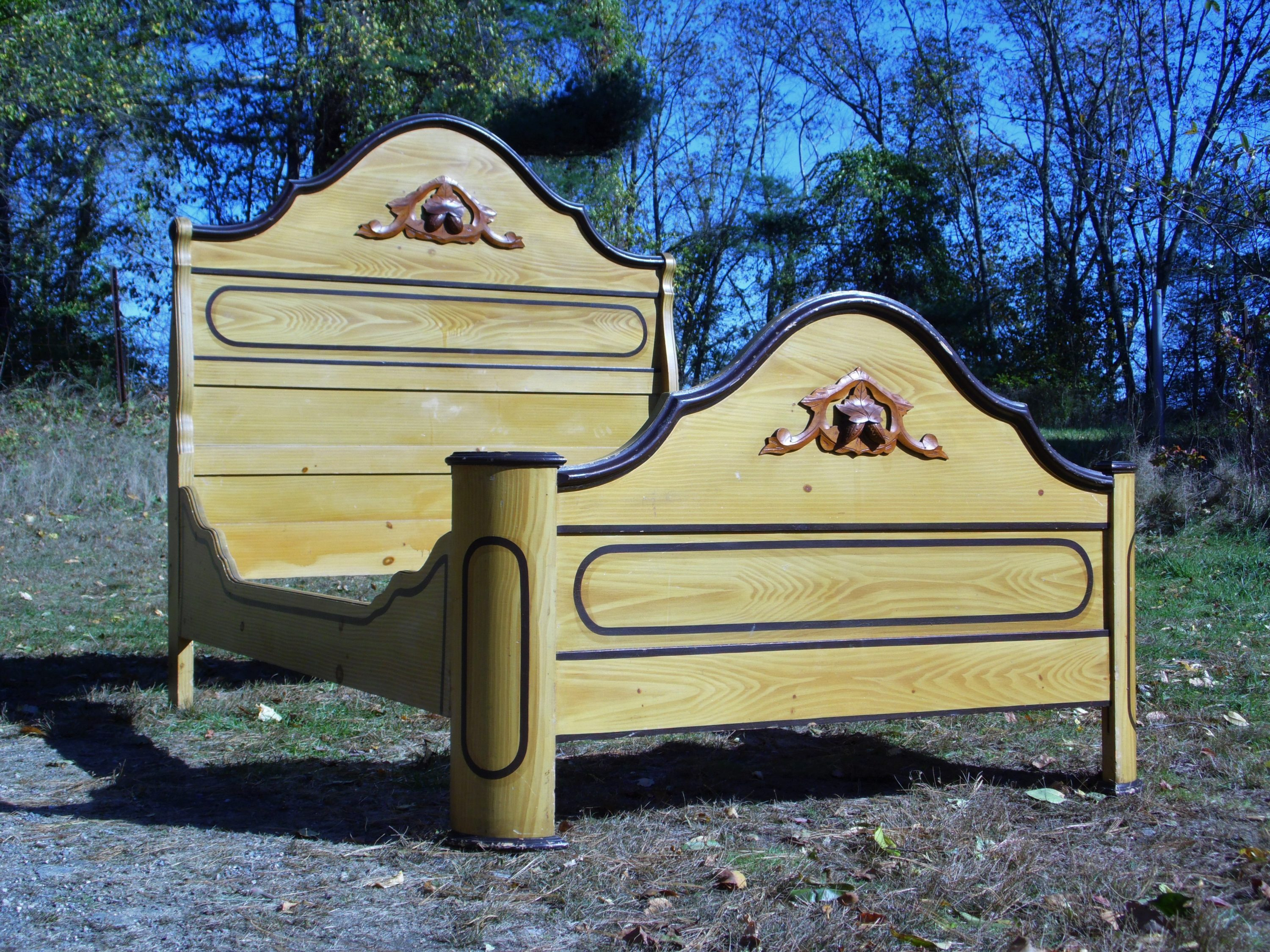 Antique Victorian Cottage Painted Double Full Bed