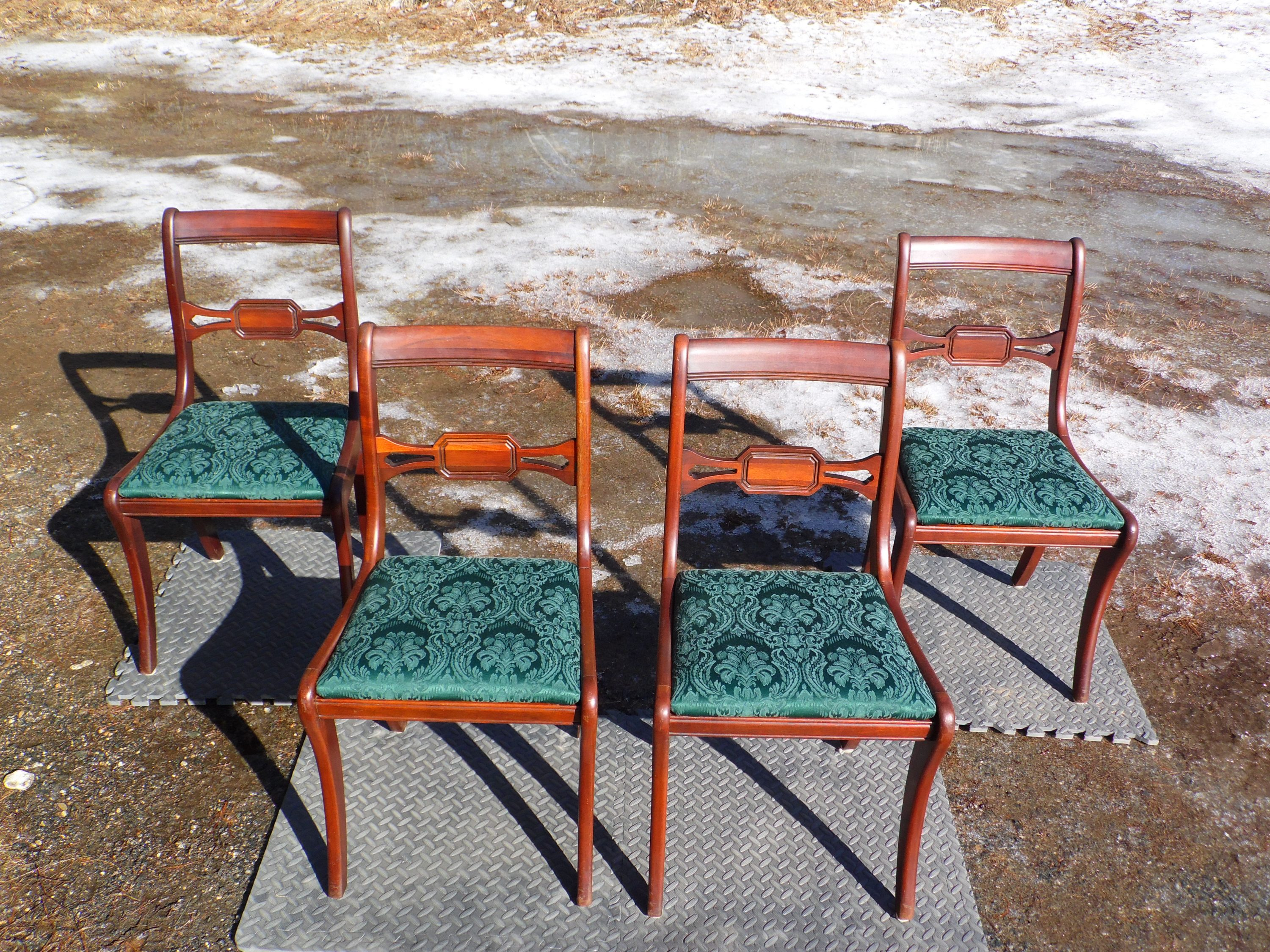 Antique Set 4 Federal Style Drexel Travis Court Gany Sabre Leg Dining Chairs
