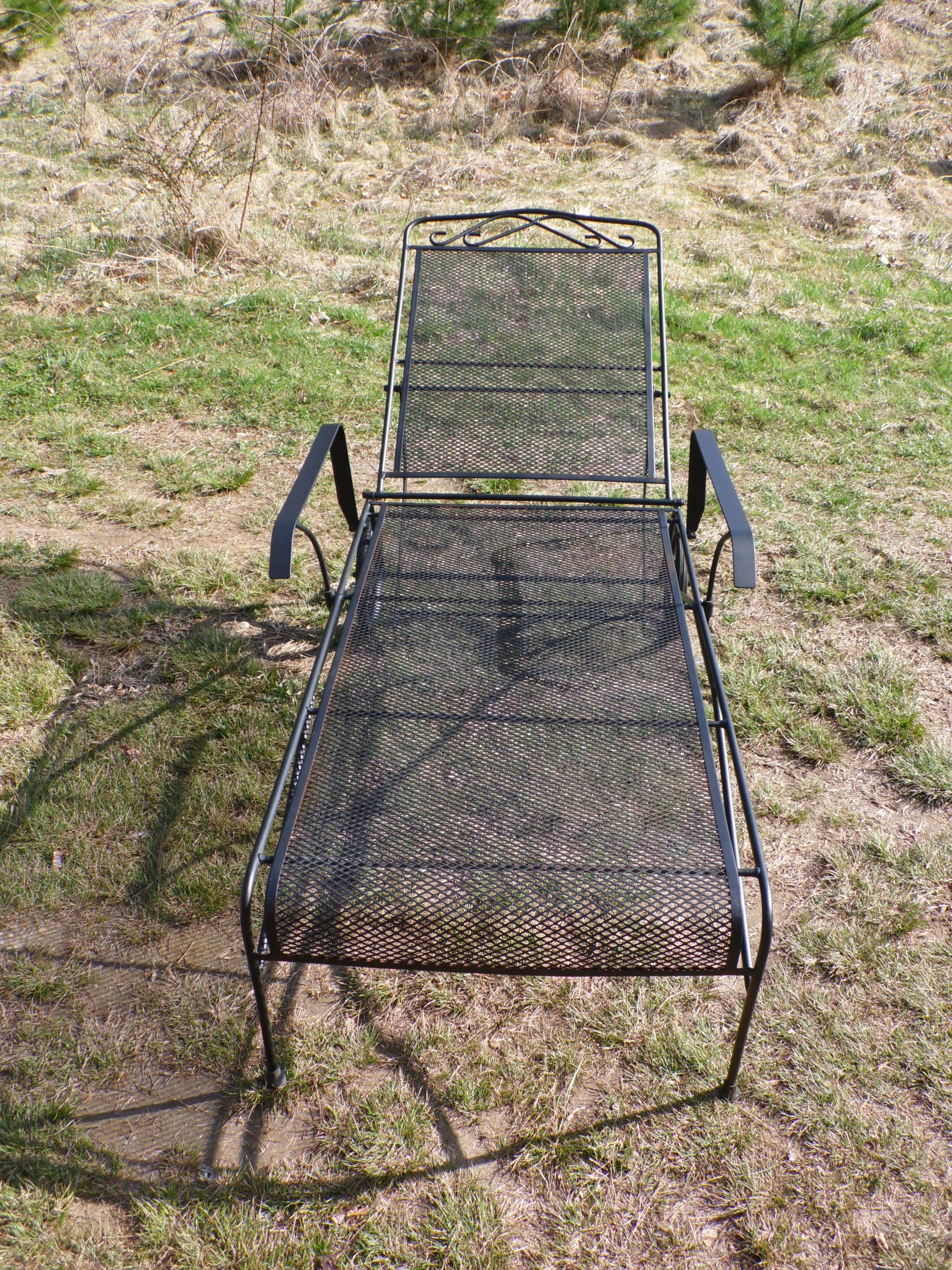 Reclining Mesh Wrought Iron Chaise